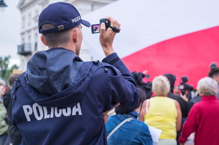 Policja Bełchatów: SISI - POGROMCZYNI NUDY - MAMY WAKACJE!! - NOGA Z GAZU